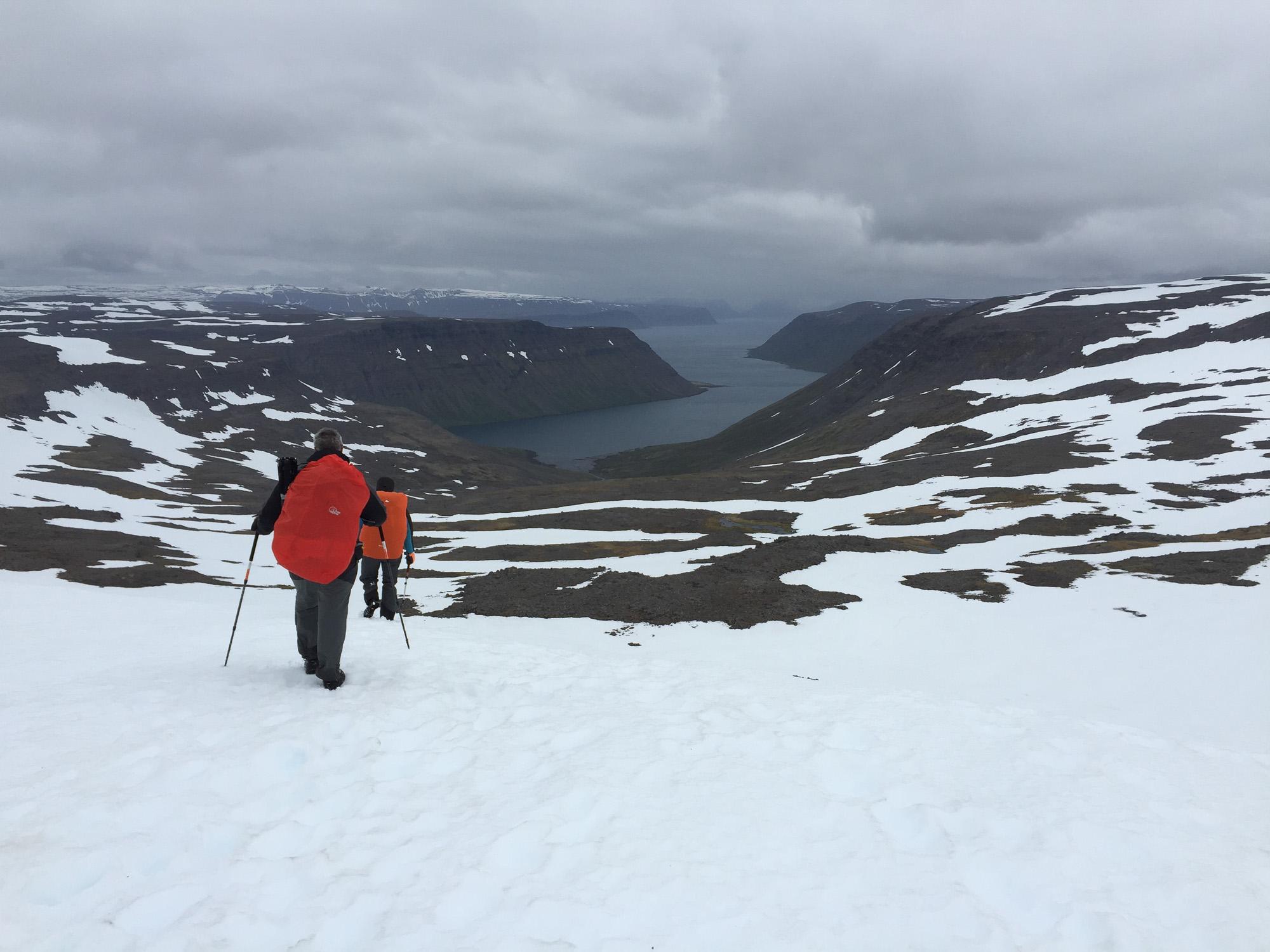 Descente vers Veiðileysufjörður